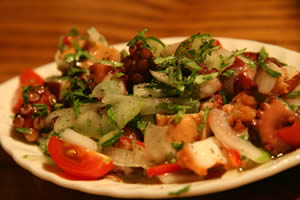 ポルトガルのパクチー料理:タコのサラダ