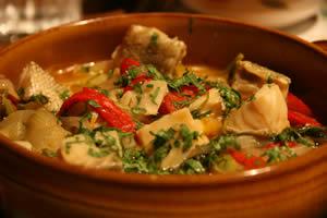 ポルトガルのパクチー料理:干し鱈の油煮込み